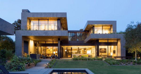 Maison contemporaine en forme de h website architecture for Architecture contemporaine definition