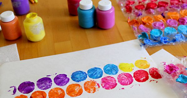 Classic kid art: bubble wrap prints. See the post for tips on