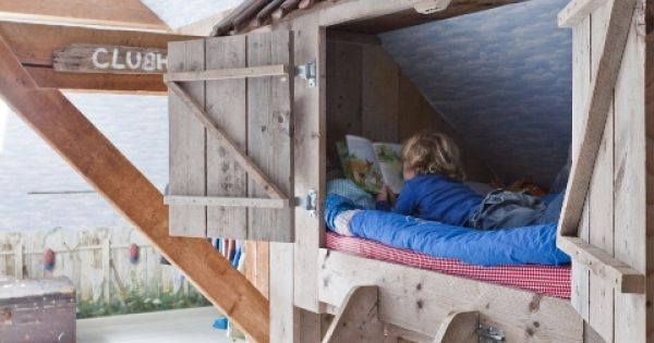 A sturdy clubhouse bunk / loft bed for kids... Oh my heck