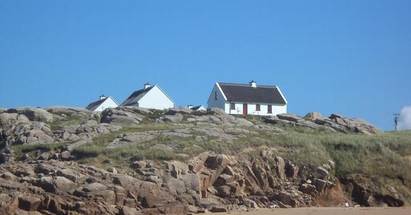 Https Www Theholidaycottages Co Uk Donegal Thatched Cottages