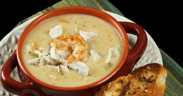 Shrimp & Crab Chowder - a creamy and delicious chowder packed with