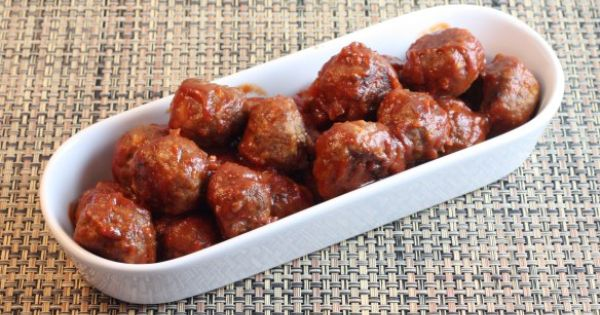 meatballs | Into the food hole | Pinterest | Cocktail Meatballs, Spicy ...