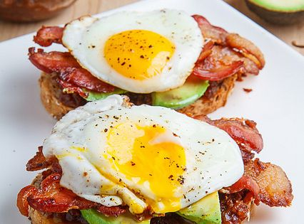 Bacon Jam Breakfast Sandwich with Fried Egg and Avocado ...