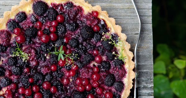 summer berry & yogurt tart by aran goyoaga