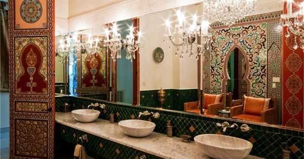 Moroccan fantasy in houston arab islamic interior for Bathroom interior design houston