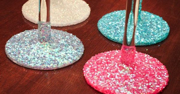 How to make washable glittered glassware! How cute!