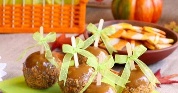Butterfinger Caramel Apples, love candy apples!