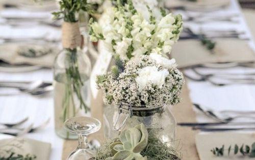 44 beautiful barn wedding table settings weddingomania - Decoration de table de mariage champetre ...