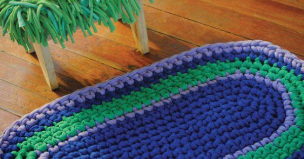 Peque a alfombra para el ba o hech con material reciclado - Alfombras de bano originales ...