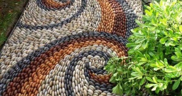 Wie Man Mit Pebble Design Ideen Einen Wunderschonen Garten Gestaltet 25 Beste Bilder Mosaikgarten Kieselmosaik Garten Design