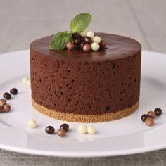 Pastel De Chocolate Esponjoso Tarta De Mousse De Chocolate Pastel De Chocolate Esponjoso Tarta De Mousse