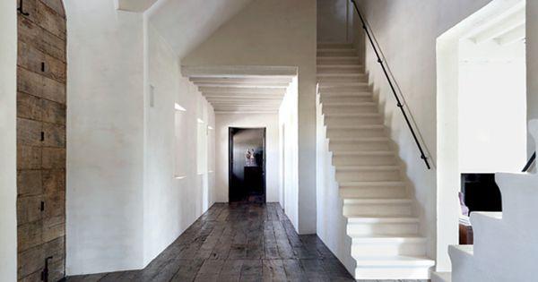 Robuuste houten vloer voor in ons nieuwe huis grote hal met donkere houten vloer door rvg2011 - Houten vloer hal bad ...