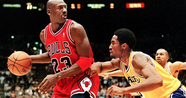 Kobe Bryant passes MichaelJordan in NBA scoring list