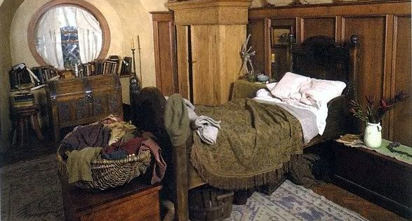 hobbithouses: frodo's room // ...wha? ...WHAT? Frodo's room?! Don't tell me this is actually a place you can see in an actual Bag End?! ...NOO BUT YOU DON'T UNDERSTAND THIS IS A ROOM I'VE NEVER SEEN BEFORE. Bag End has more rooms! This is... this is Fro...