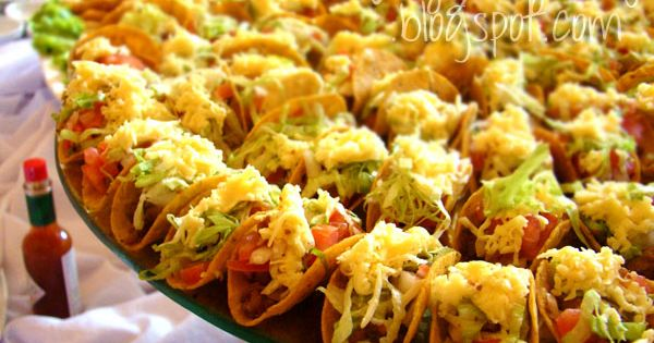 Vegan taco buffet platter. Brilliant idea! - make them with mini taco ...