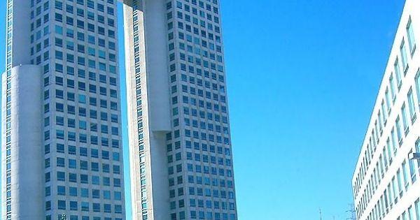 Edificios modernos famosos google search edificios - Fachadas edificios modernos ...