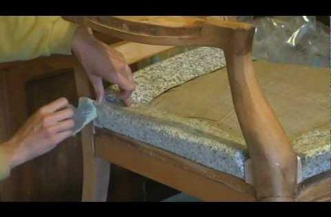 Comment poser un bourrelet en profil de mousse agglom r e - Comment poser de la tapisserie ...