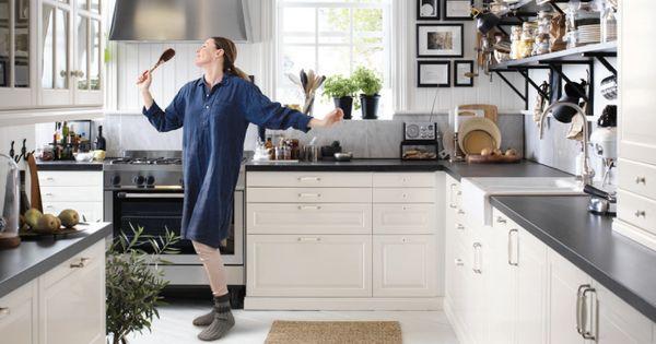 White kitchen with black details from the IKEA 2017 Catalog - ikea küche katalog