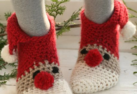 crochet christmas socks DIY gifts follow links to free pattern