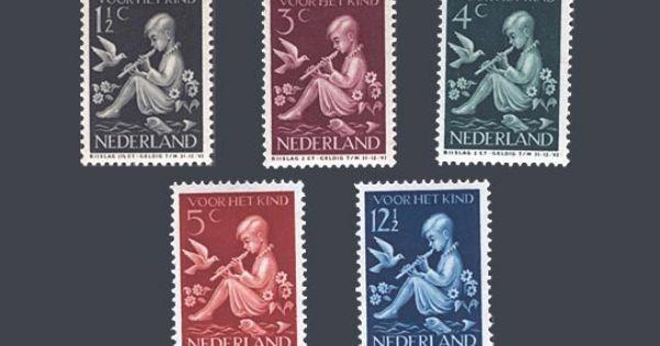 De kinderpostzegels uit 1938 met de voorstelling fluitspelend kind ontwerp p g rueter - Ontwerp kind ...