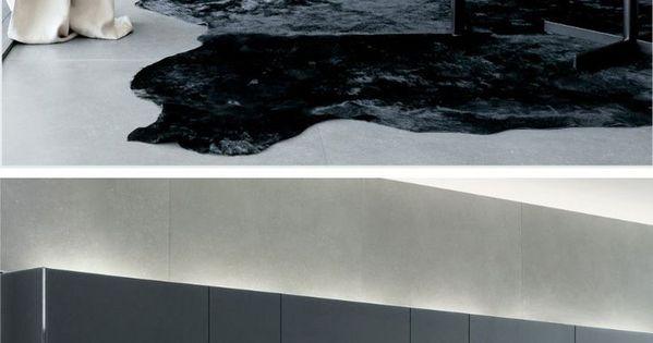 Zwart is de modekleur, maar ik vind deze tint grijs/blauw veel mooier!  I like this ...