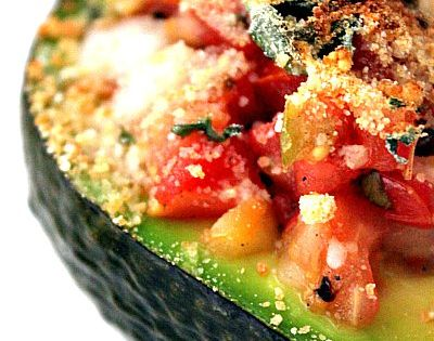 Baked Avocado Salsa 1 ripe Avocado ¼ cup bread crumbs* 1 garlic