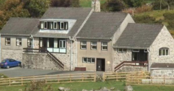 Activity Centre For Large Groups Near Princetown On Dartmoor In Devon Dartmoor Dartmoor National Park Devon