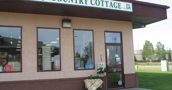 Lori S Country Cottage Is A Friendly Inviting Quilt Shop In Sherwood Park Alberta Canada