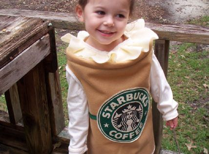 DIY Starbucks halloween costume... so cute! (via ReallyAwesomeCostumes.com) - Really ??? Cute