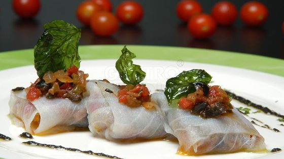 Bacalao marinado con anchoas tomate y albahaca - Bacalao fresco con tomate ...