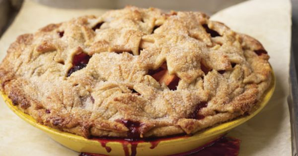 "Apple-Blackberry Pie with ""Fall Leaves"" Pate Brisee 