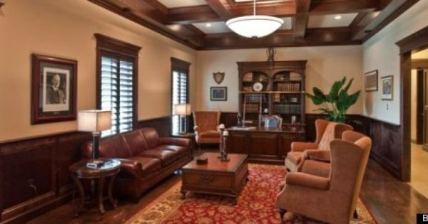 Look The 11 Best Frat Houses House Rooms Fraternity House House