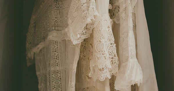 Wa spanish australian cool perth wedding photographer for Vintage wedding dresses perth