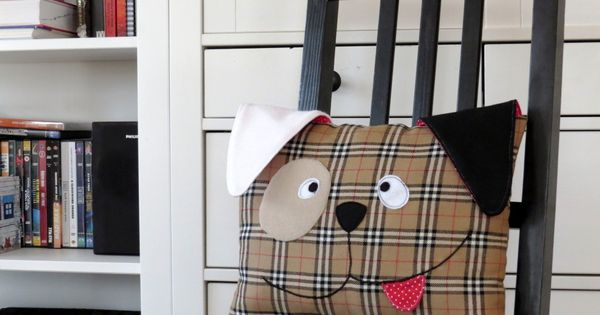 Decorative dog pillow with a free pattern and tutorial - great decoration for my son s room ...