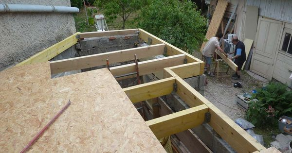 Chantier auto construction toit terrasse toiture for Maison toit vegetal