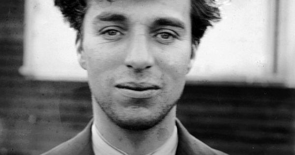 Charlie Chaplin - Amazing vintage celebrity portraits