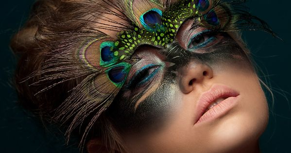 dark peacock dramatic makeup