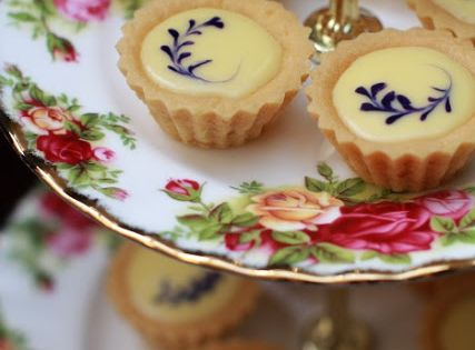Blueberry Cheese Tarts. Needs to be opened in translation program. Pinned mainly