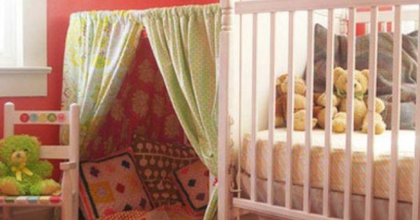 spielerische zelte f r kinder kinderzimmer gr n kissen idee juna pinterest kinderzimmer. Black Bedroom Furniture Sets. Home Design Ideas