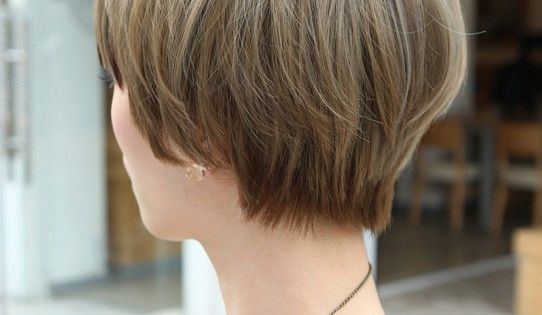 Beautiful Bowl Cut With Retro Fringe Short Japanese