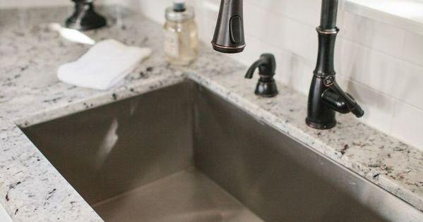 granit oberfl chen lassen sich sehr leicht pflegen und reinigen und auch noch dazu sind die. Black Bedroom Furniture Sets. Home Design Ideas