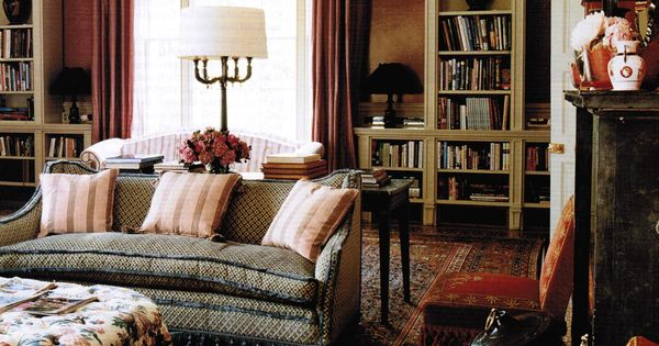 English cottage living room nicky haslam for the home pinterest decoraci n inglesa - Disenadores de interiores famosos ...