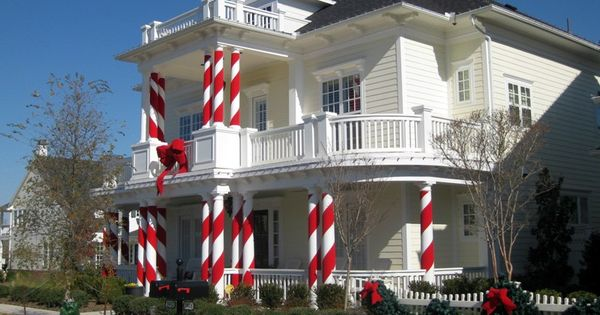 What Better Idea For White Columns Than To Turn Them Into Candy