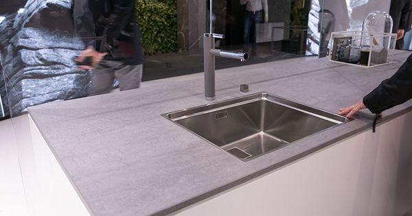 Küche-weiss-graue-Arbeitsplatte-beton Yeah we are moving - arbeitsplatte küche grau