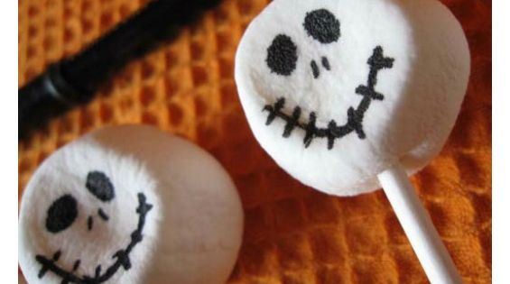 Easy Skeleton Cupcakes for Halloween! Okay, so they're not technically cookies, but