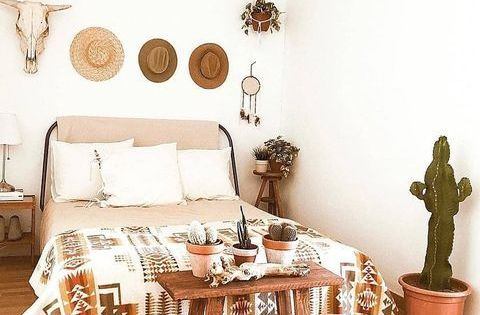 Cowboy Decor And An Endless Supply Of Western Decorating Ideas Shop Lone Star Western Decor Toda In 2020 Southwest Home Decor Western Bedroom Decor Western Home Decor