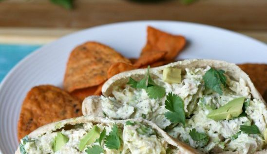 Healthy Avocado Chicken Salad Pita Ingredients: 2 cups shredded chicken 1 avocado 1/2 tsp garlic powder 1/2 tsp salt 1/2 tsp pepper 2 tsp lime juice 1 tsp fresh cilantro 1/4 cup mayo 1/4 cup plain Greek Yogurt