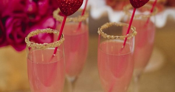 Signature Cocktail idea for Valentines' day party!