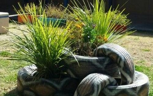 a2bdf8c41e123040ff376e4e7dc2e993 Garden Design With Tires on art with tires, paving with tires, trees with tires, ponds with tires, retaining walls with tires, landscaping ideas with tires, planting with tires, landscape with tires,