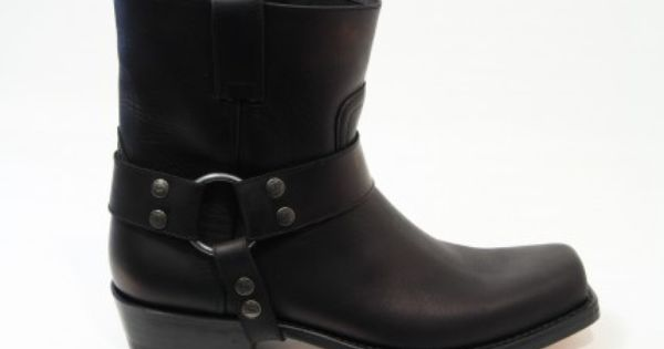 Sendra boots and belts handmade in Spanje western boots